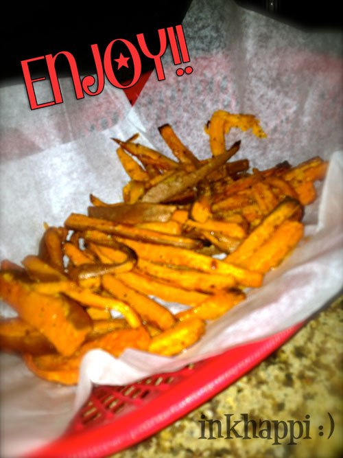 These baked sweet potato fries are so yummy and easy to make!