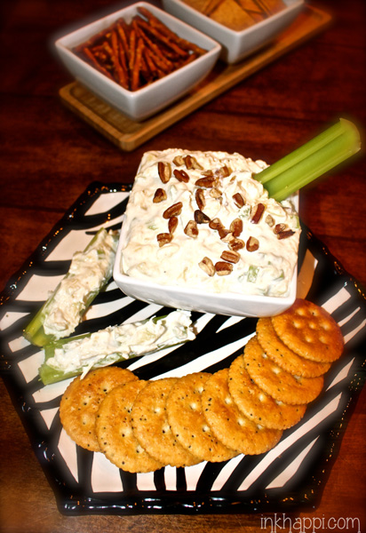 Quick, easy and absolutely YumMmy Pineapple cream cheese dip!