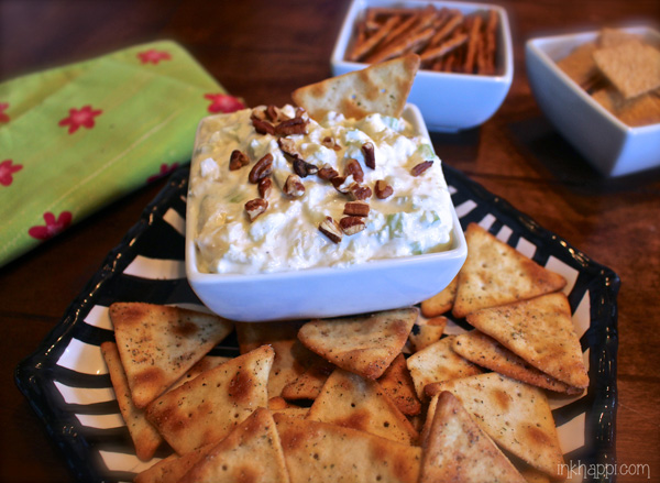 This is to die for! Quick, easy and absolutely YumMmy Pineapple cream cheese dip!