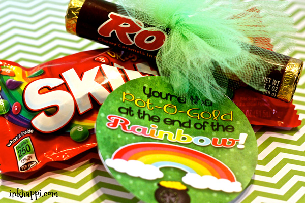 Quick and easy St Patricks day printables and treat ideas using Rolos and Skittles. Surprise your co-workers or family with this to add some fun to their day. :)