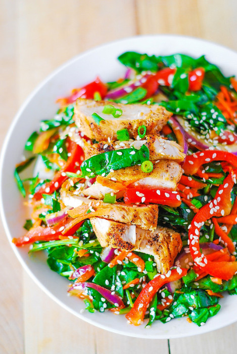 Green salad recipes. Asian chicken salad with ginger sesame dressing from Julias Album