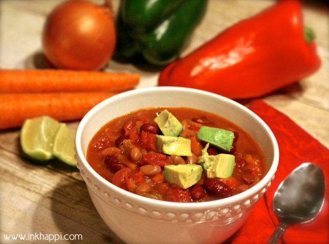 Vegetarian Chili recipe.Something this delicious, easy, AND healthy must be shared. Right?!!