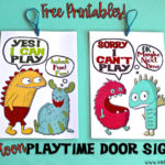 Free printables: Cute cartoon playtime door signs!
