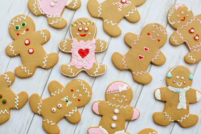 Christmas traditions: making gingerbread cookies!